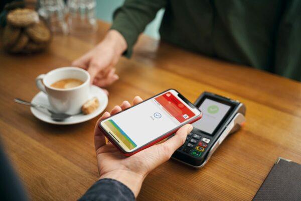 Apple Pay mit der girocard startet bei der Sparkasse Rhein-Nahe