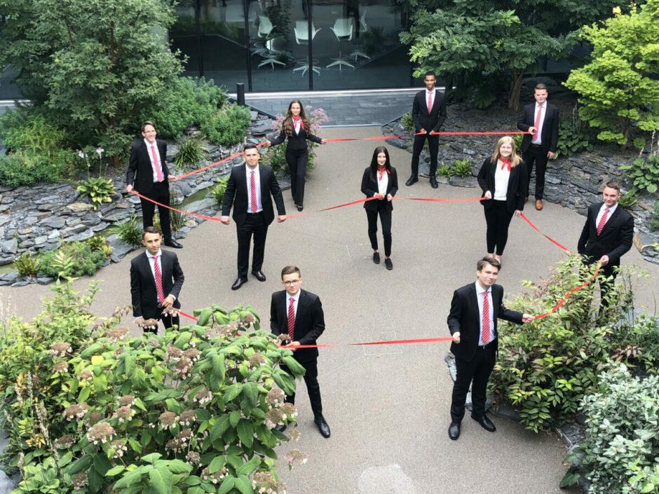 Sparkasse bildet weiterhin aus – Vorstand begrüßt neue Auszubildende